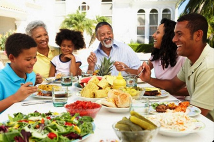 Healthy in the Hood takes healthy eating to areas that don't have access to good food and/or have limited budgets.